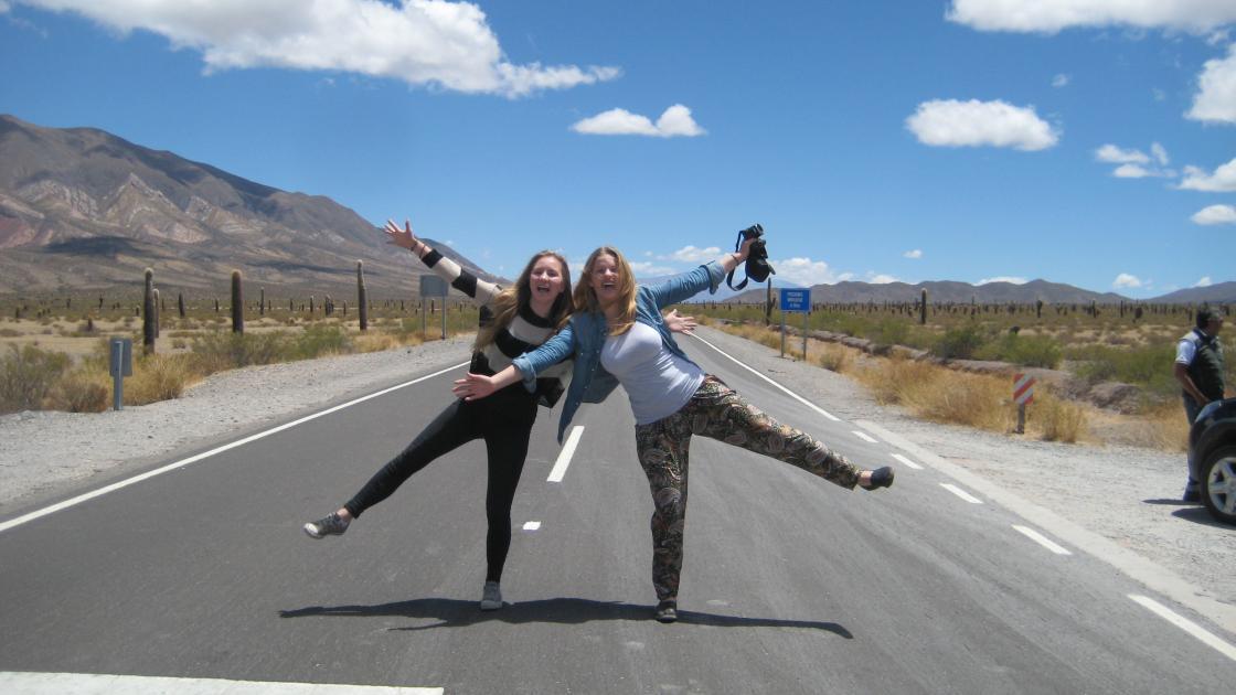 WEP Argentina High School 01 1 - Stany Zjednoczone